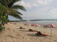 pantai legian bali, paket wisata bali, pantai terindah, tourandtravelmalang.wordpress.com, 0823 3824 6218